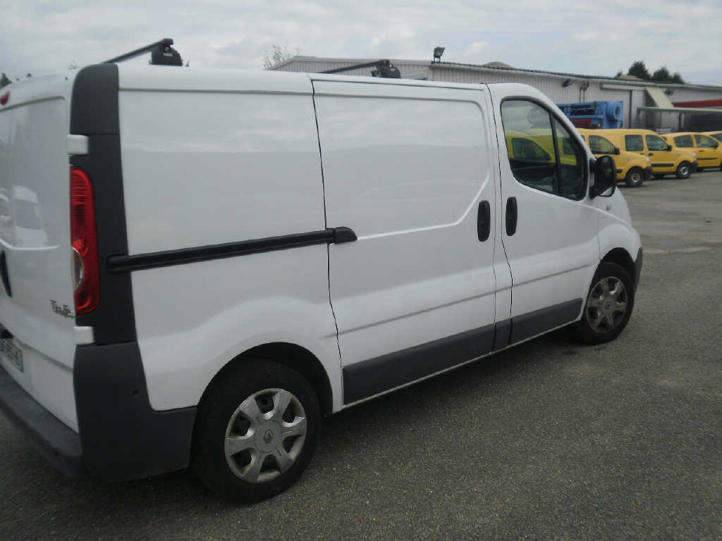renault trafic 20 dci 90 cv l1h1 3 places 2010. Black Bedroom Furniture Sets. Home Design Ideas